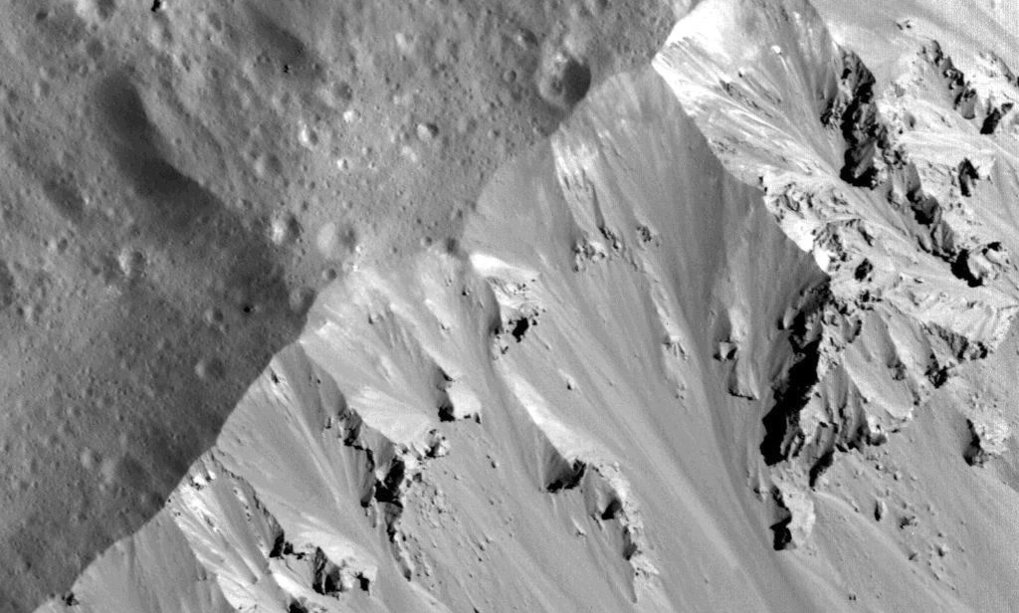 Dawn: Landslides in Occator Crater