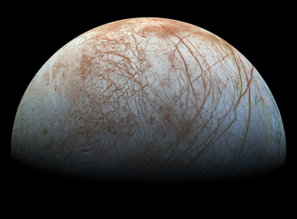 Jupiter's moon Europa: New evidence of watery plumes