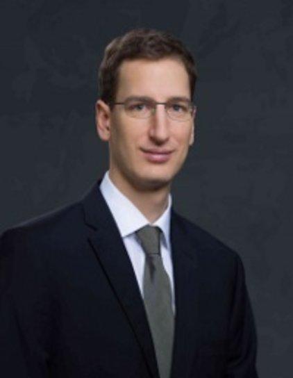 Dr. Martin Halla